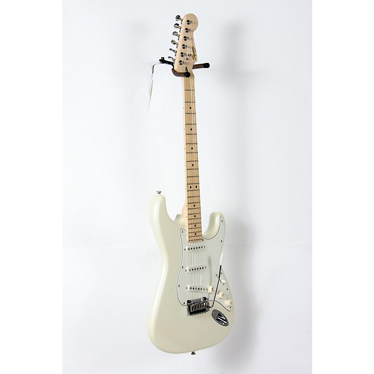 squier deluxe strat electric guitar pearl white metallic 888365934020 music123. Black Bedroom Furniture Sets. Home Design Ideas