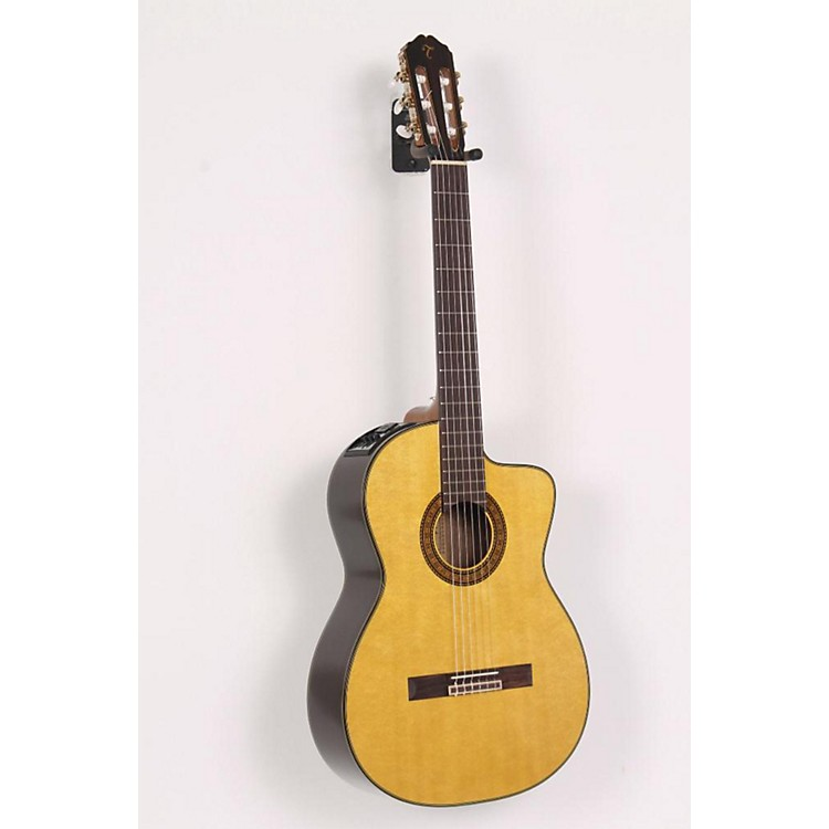 Takamine EC-132C Classical Guitar Regular 886830551680