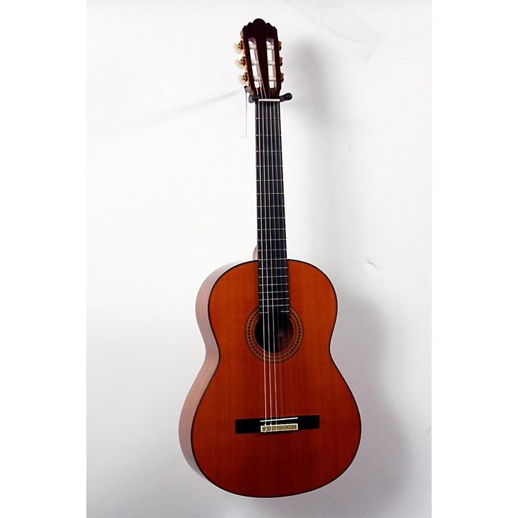 Yamaha GC12 Handcrafted Classical Guitar Cedar 888365708577
