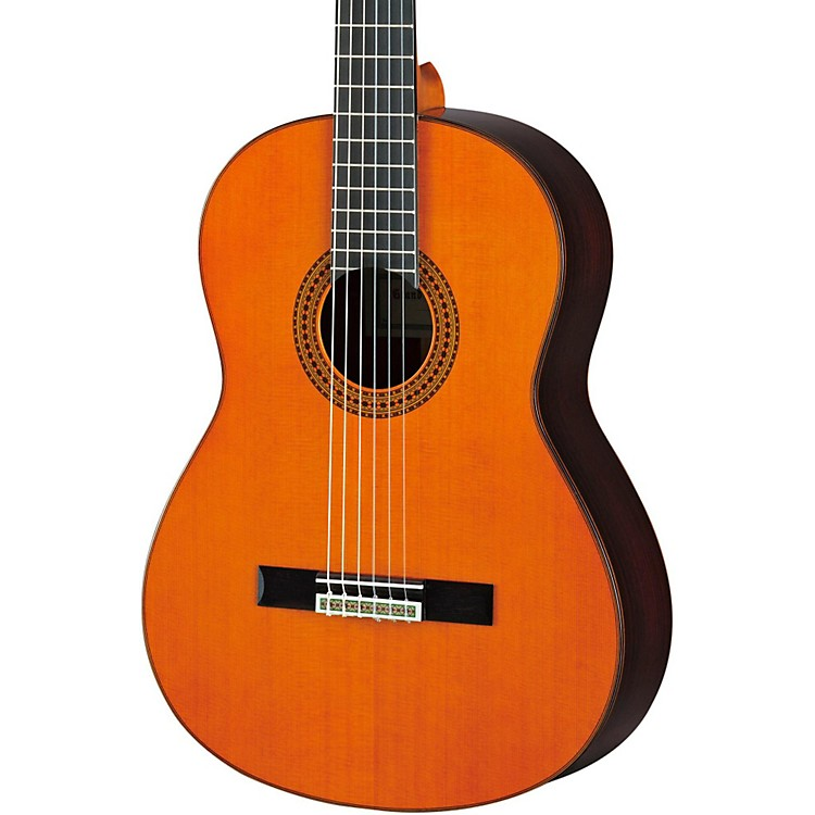 YamahaGC22 Handcrafted Classical GuitarCedar