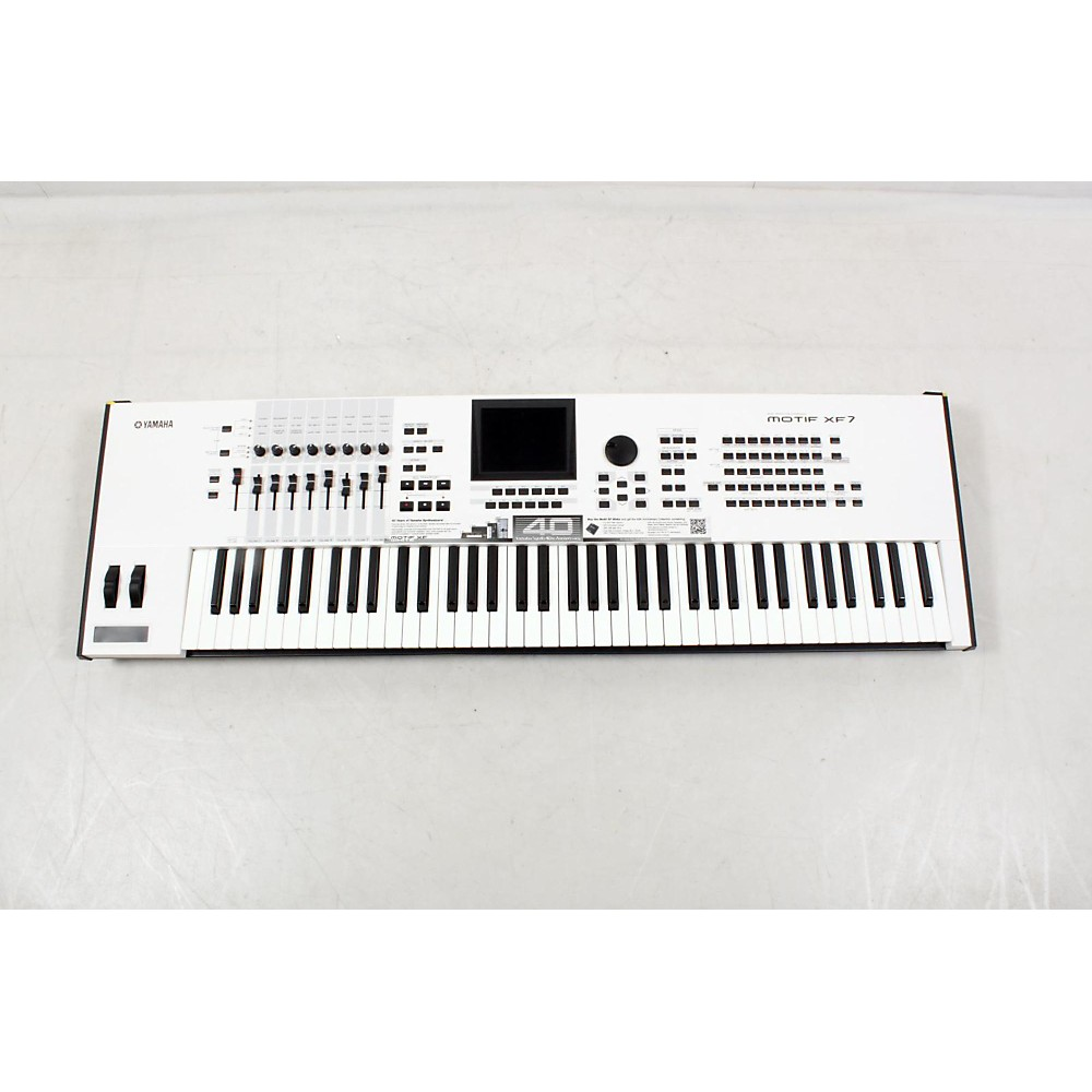 UPC 888365521053 - Yamaha Motif XF7 White 76-Key Workstation