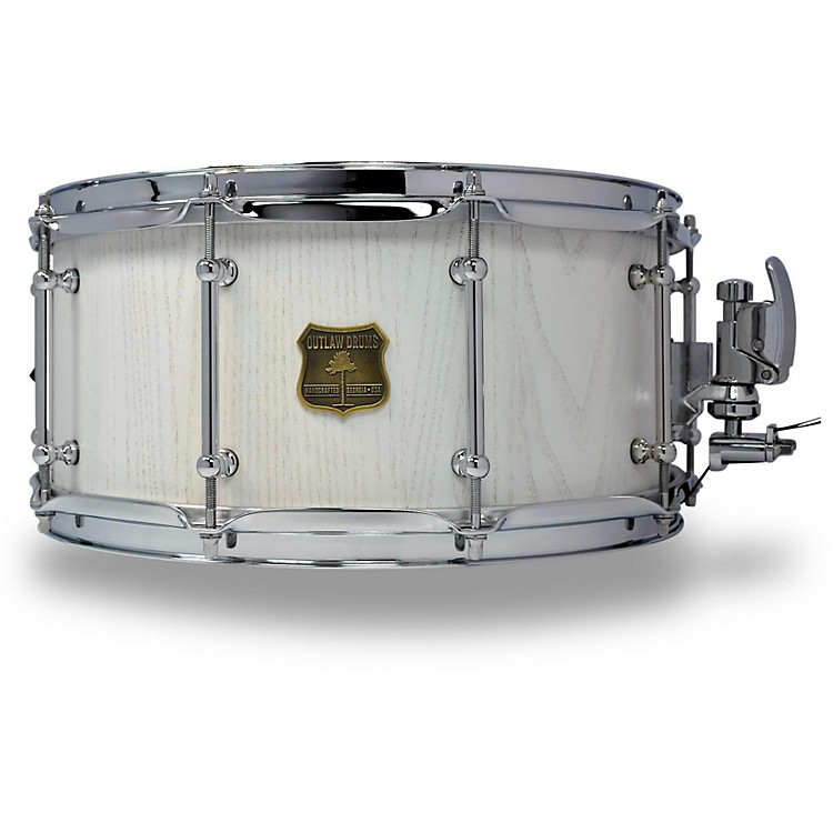 outlaw drums red oak stave snare drum with chrome hardware music123. Black Bedroom Furniture Sets. Home Design Ideas