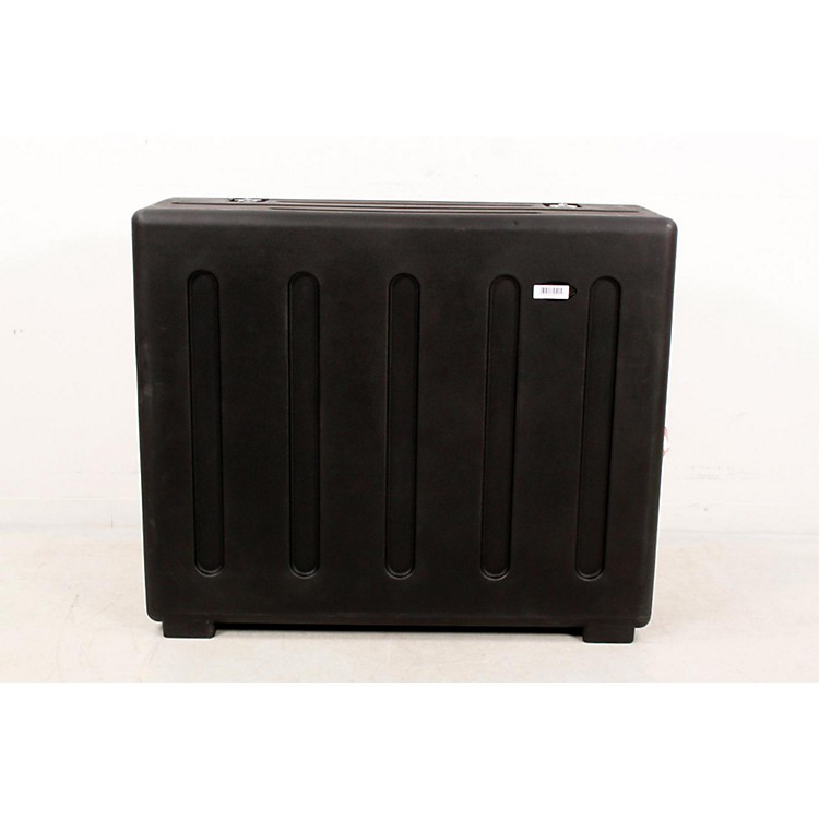 SKB Rolling Mixer X32 Case with Doghouse Regular 888365768519