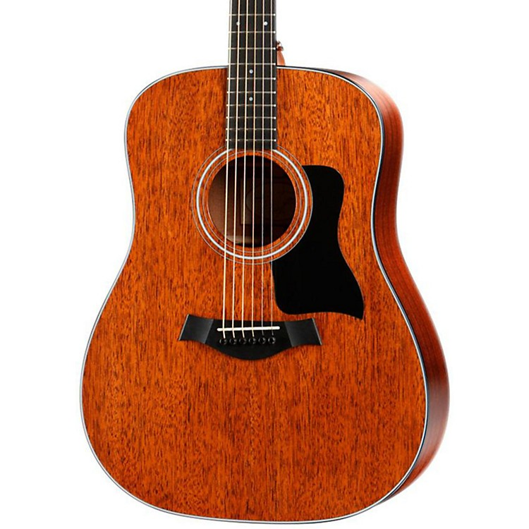 Taylor320 Dreadnought Acoustic Guitar Sapele Back/Sides Mahogany Top