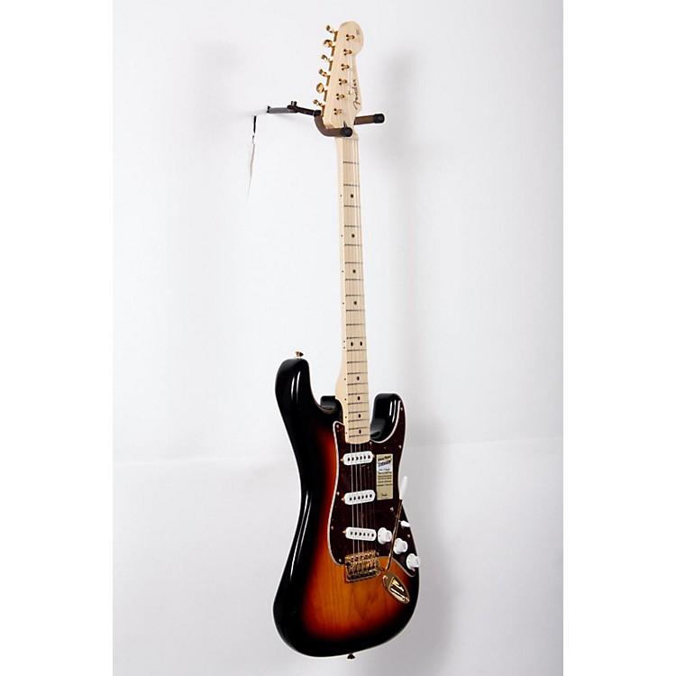 FenderDeluxe Players Stratocaster Electric Guitar3-Color SunburstMaple Fretboard