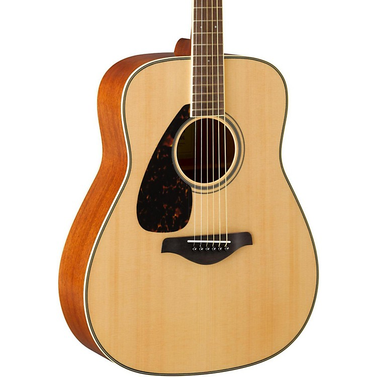 YamahaFG820L Dreadnought Left-Handed Acoustic GuitarNatural