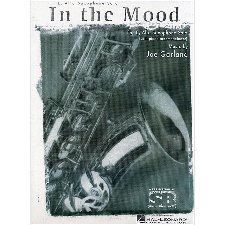 Hal LeonardIn The Mood E Flat Alto Saxophone with Piano Accompaniment
