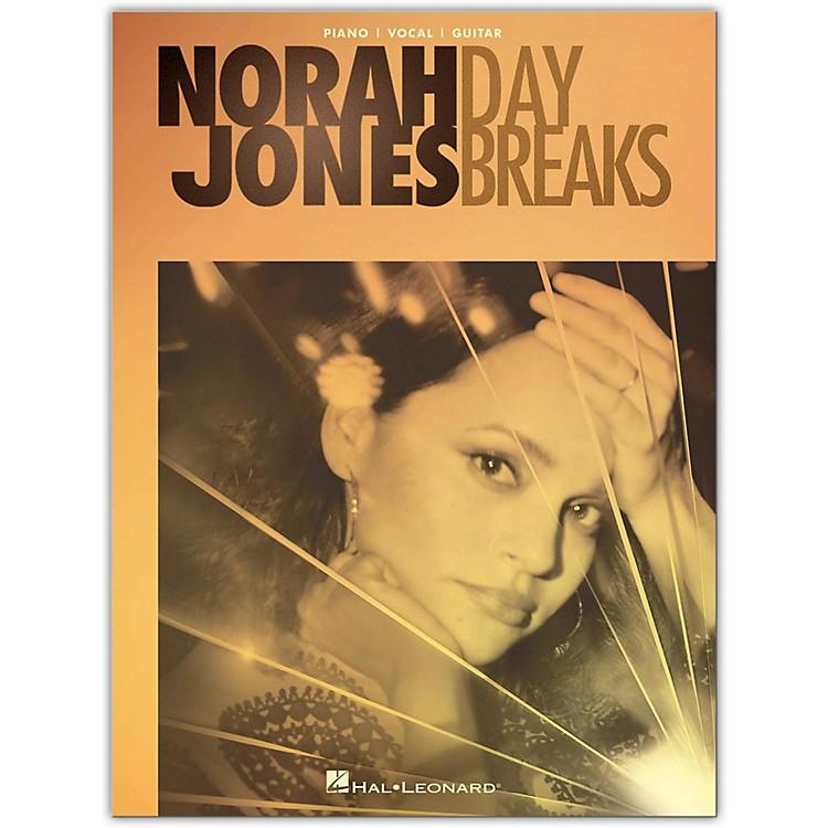 Hal LeonardNorah Jones - Day Breaks P/V/G Piano/Vocal/Guitar