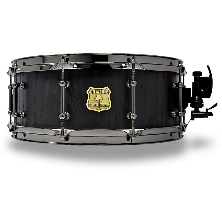 outlaw drums red oak stave snare drum with black chrome hardware music123. Black Bedroom Furniture Sets. Home Design Ideas