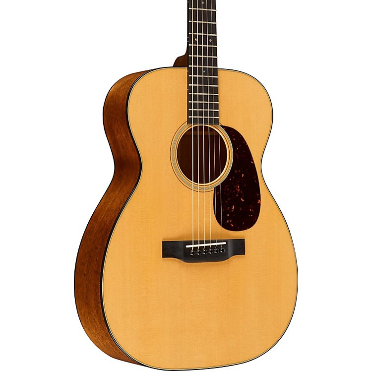 Martin Standard Series 00-18 Grand Concert Acoustic Guitar Natural