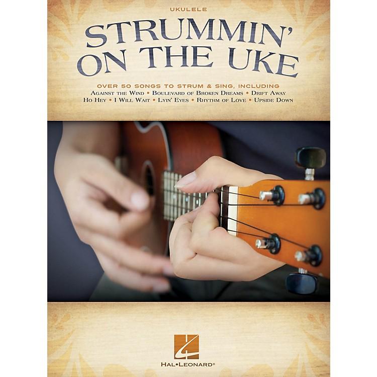 Hal LeonardStrummin' on the Uke (Melody/Lyrics/Chords) Ukulele Series Softcover Performed by Various